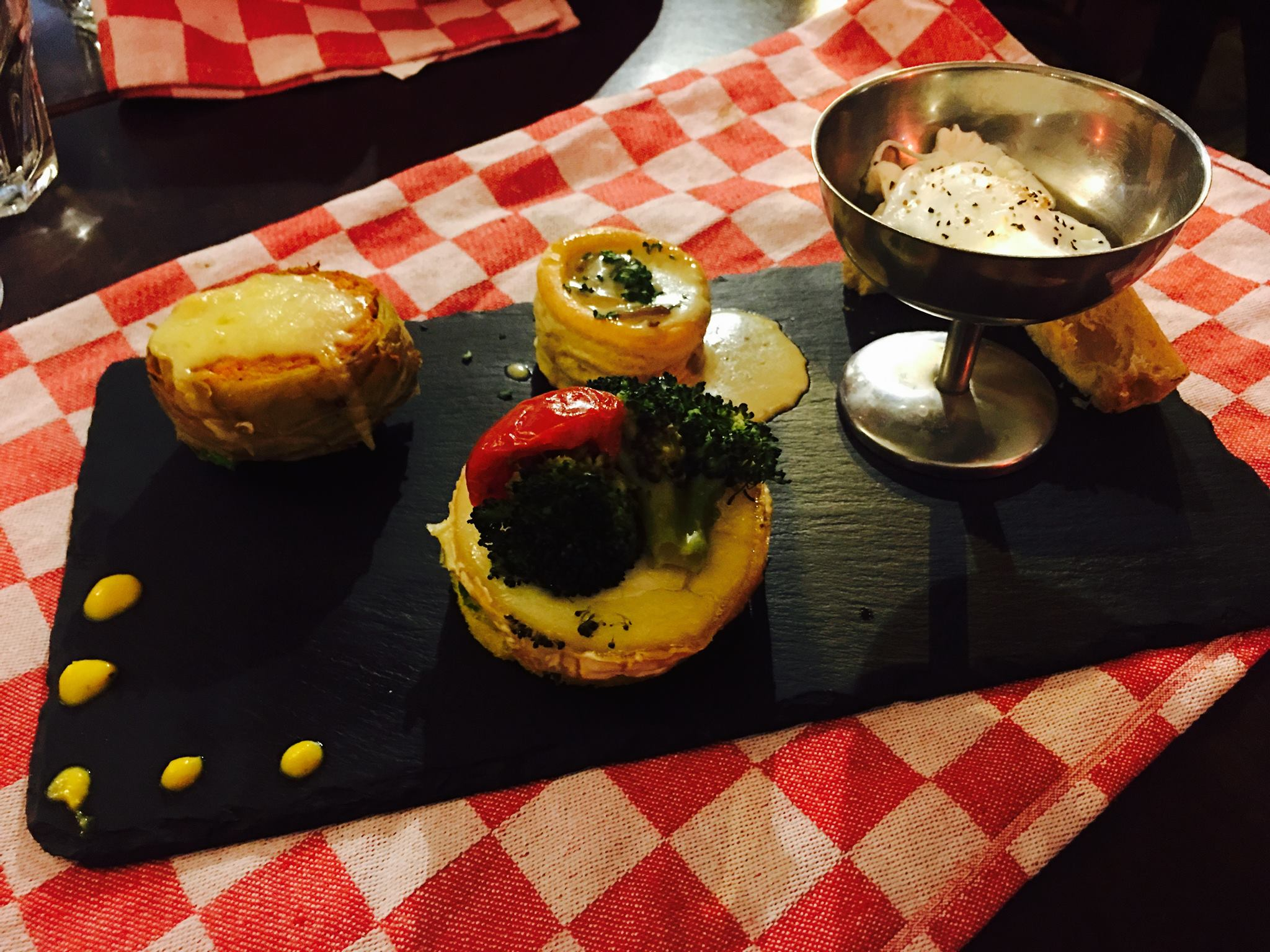 Vegetarian quatuor on a slate
